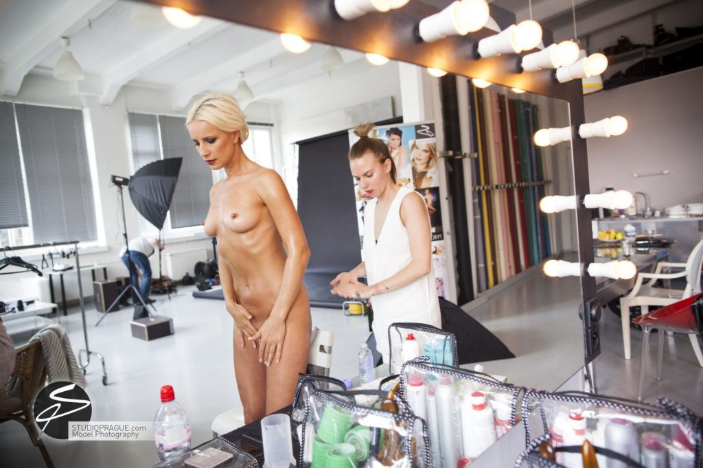 Private Nude Photography 2 Days EduShoot - StudioPrague Photo Workshops - Impressions & Behind The Scenes - B1 - 009