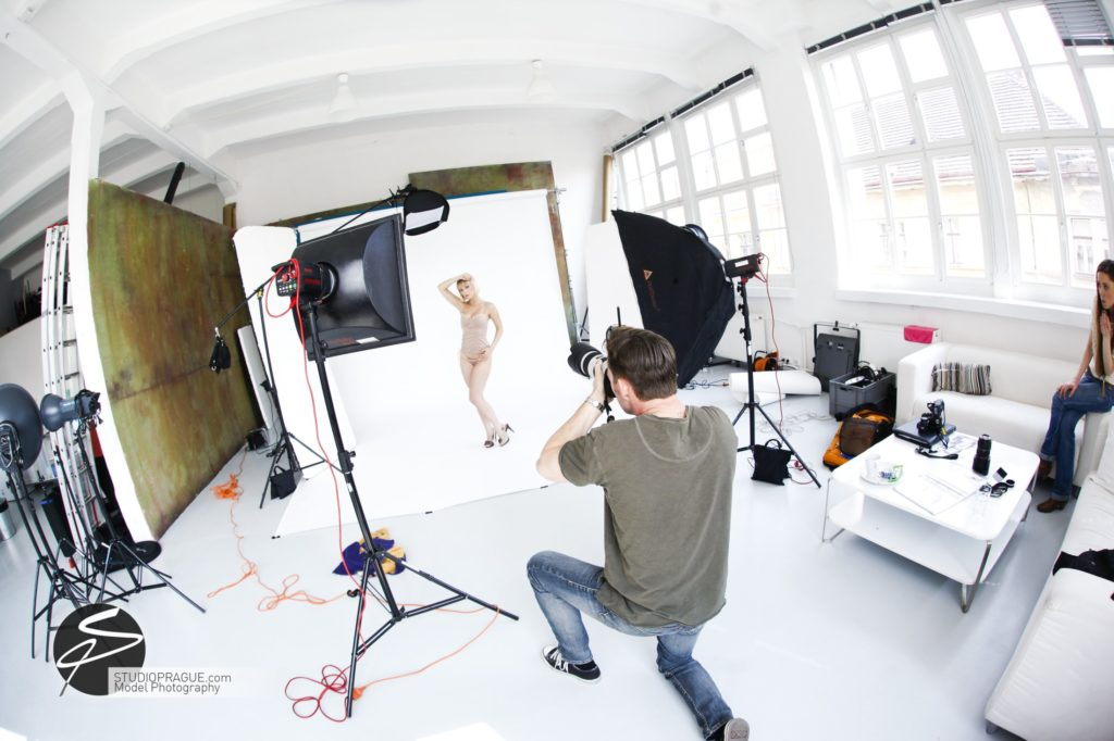 Private Nude Photography 2 Days EduShoot - StudioPrague Photo Workshops - Impressions & Behind The Scenes - B2 - 008