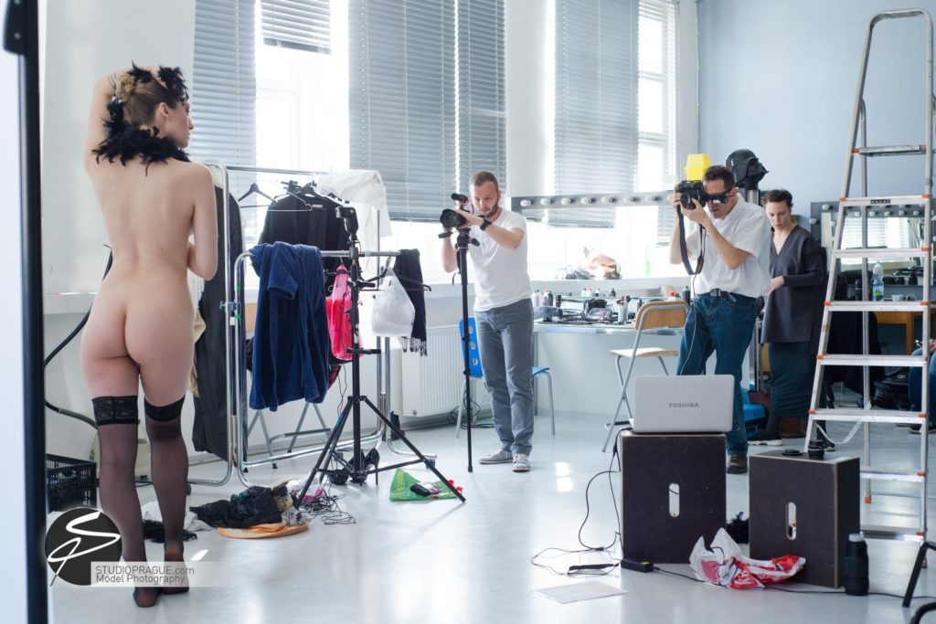 Behind The Scenes Impressions -Glamour Model Productions & Nude Photography Workshops - Creative Nudes - Dan Hostettler - 011
