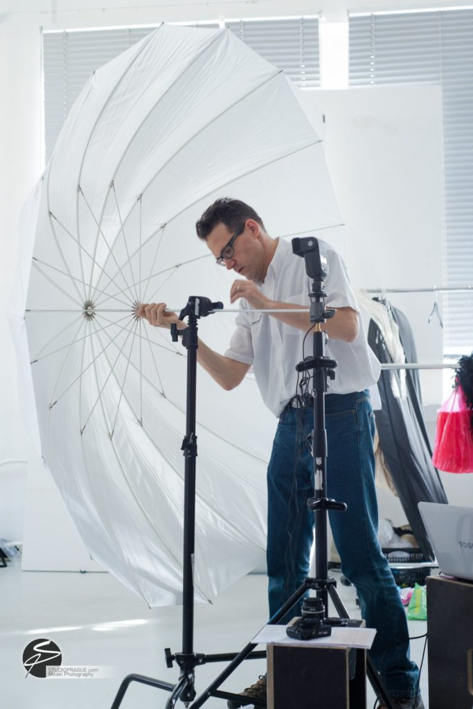 Behind The Scenes Impressions -Glamour Model Productions & Nude Photography Workshops - Creative Nudes - Dan Hostettler - 012