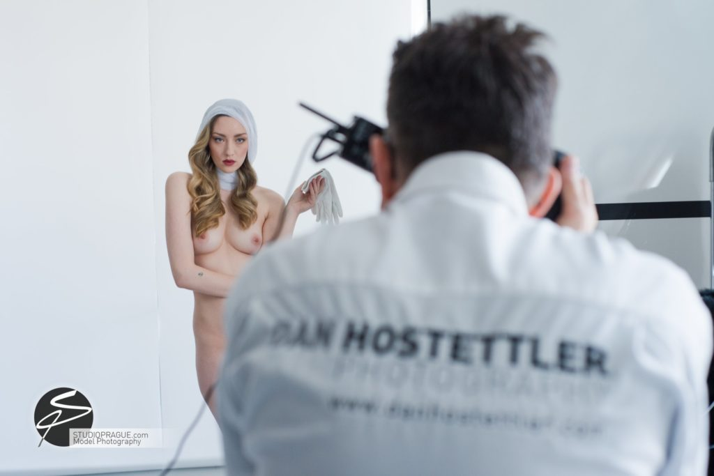 Behind The Scenes Impressions -Glamour Model Productions & Nude Photography Workshops - Creative Nudes - Dan Hostettler - 016