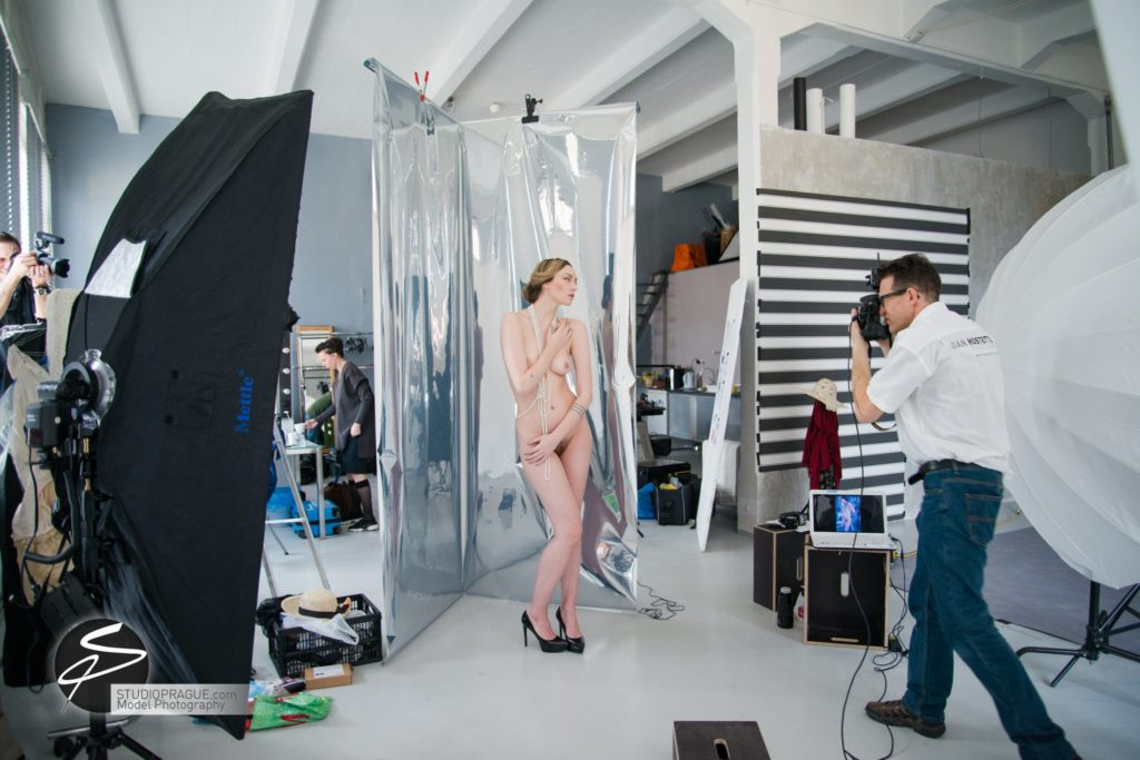 Behind The Scenes Impressions -Glamour Model Productions & Nude Photography Workshops - Creative Nudes - Dan Hostettler - 019