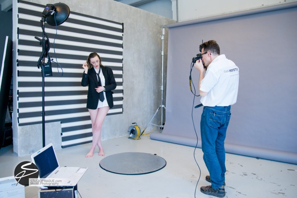 Behind The Scenes Impressions -Glamour Model Productions & Nude Photography Workshops - Creative Nudes - Dan Hostettler - 028
