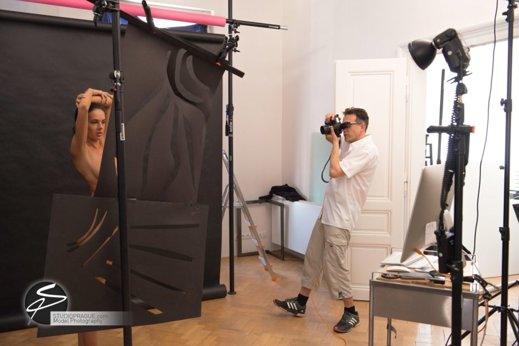 Behind The Scenes Impressions -Glamour Model Productions & Nude Photography Workshops - Creative Nudes - Dan Hostettler - 042