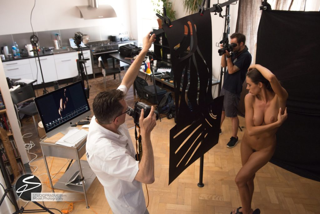 Behind The Scenes Impressions -Glamour Model Productions & Nude Photography Workshops - Creative Nudes - Dan Hostettler - 043