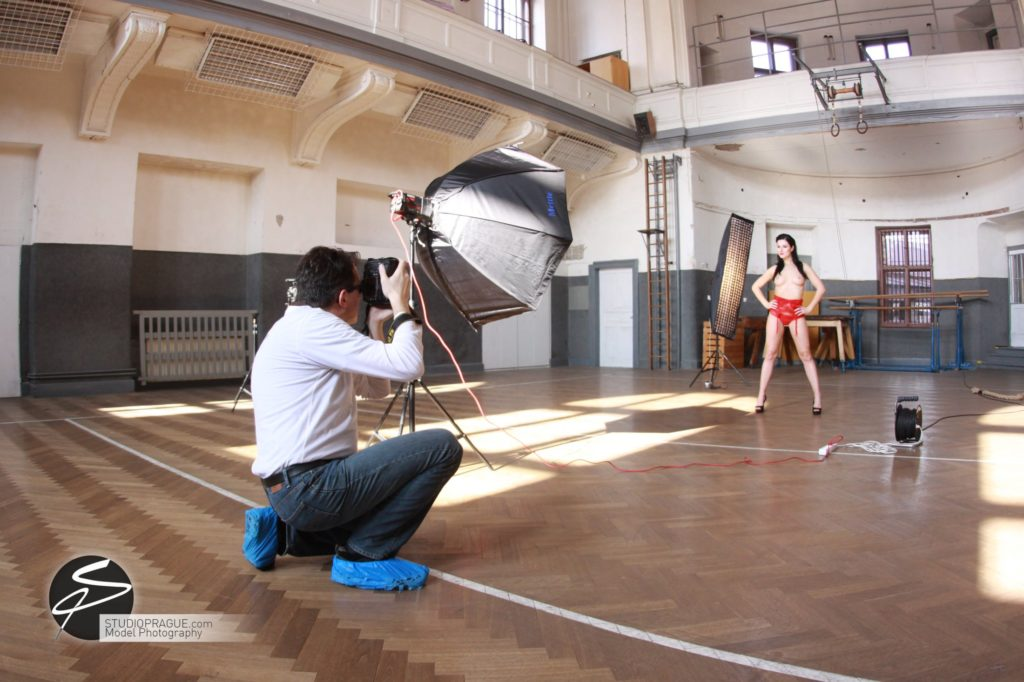 Behind The Scenes Impressions - Glamour Model Productions & Nude Photography Workshops - Dan Hostettler At Work Mixed - 033