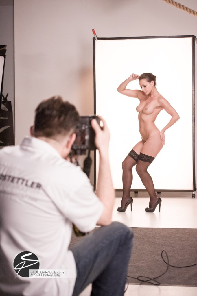 Behind The Scenes Impressions - Glamour Model Productions & Nude Photography Workshops - LIVE Photo Shoot Melisa Mendini - 003