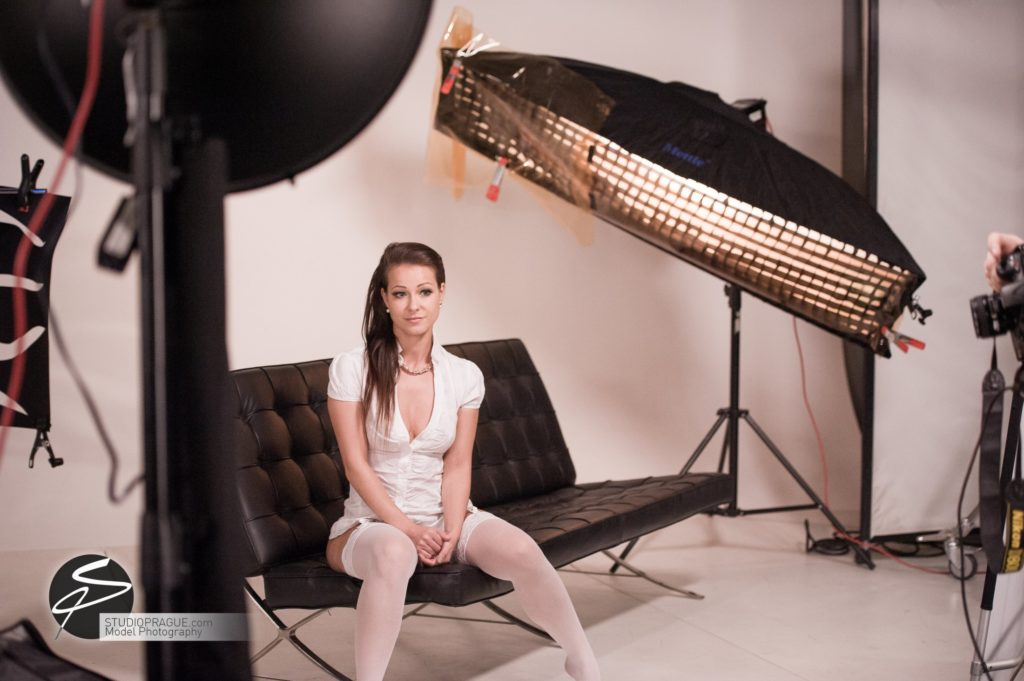 Behind The Scenes Impressions - Glamour Model Productions & Nude Photography Workshops - LIVE Photo Shoot Melisa Mendini - 006