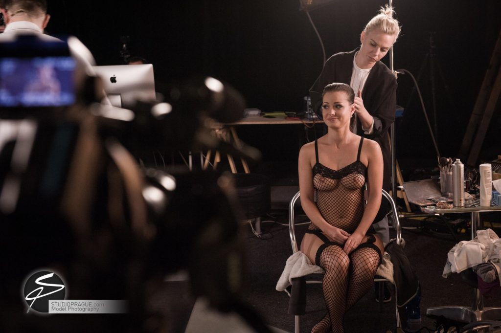 Behind The Scenes Impressions - Glamour Model Productions & Nude Photography Workshops - LIVE Photo Shoot Melisa Mendini - 010