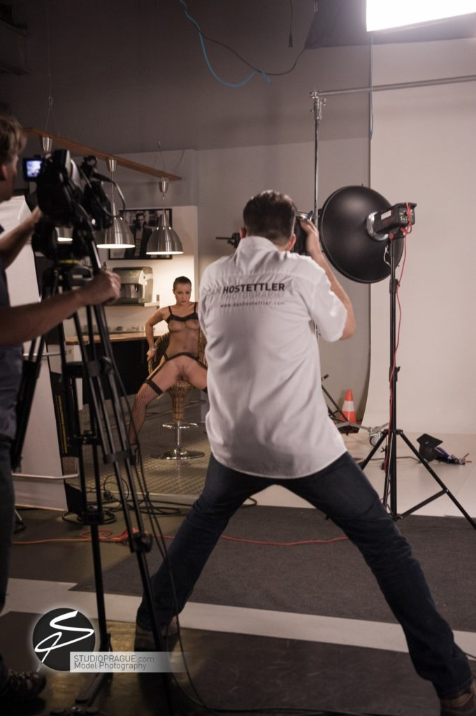 Behind The Scenes Impressions - Glamour Model Productions & Nude Photography Workshops - LIVE Photo Shoot Melisa Mendini - 011