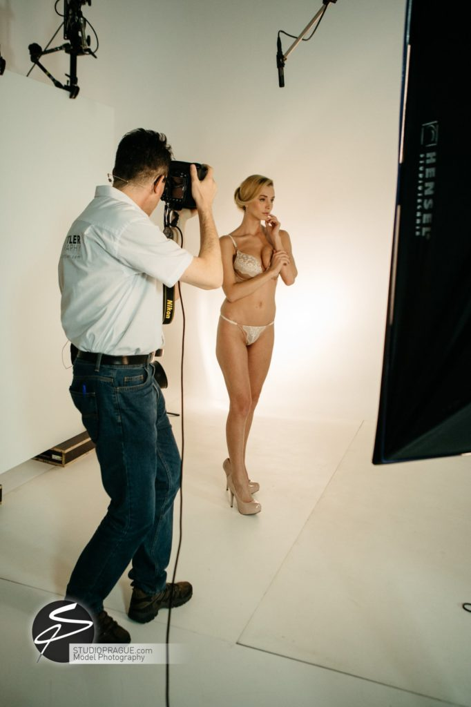 Behind The Scenes Impressions - Glamour Model Productions & Nude Photography Workshops - LIVE Photo Shoot Playmate Dominika & Art Nude Model Hanna - 006