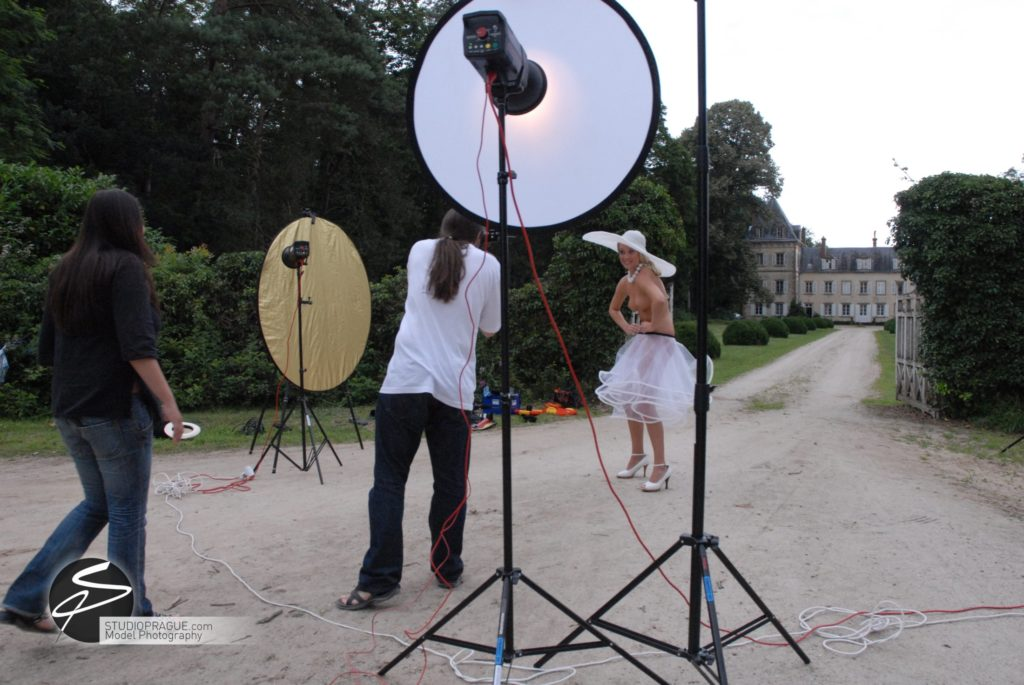 Behind The Scenes Impressions - Glamour Model Productions & Nude Photography Workshops - On Location Photography Dan Hostettler - 029