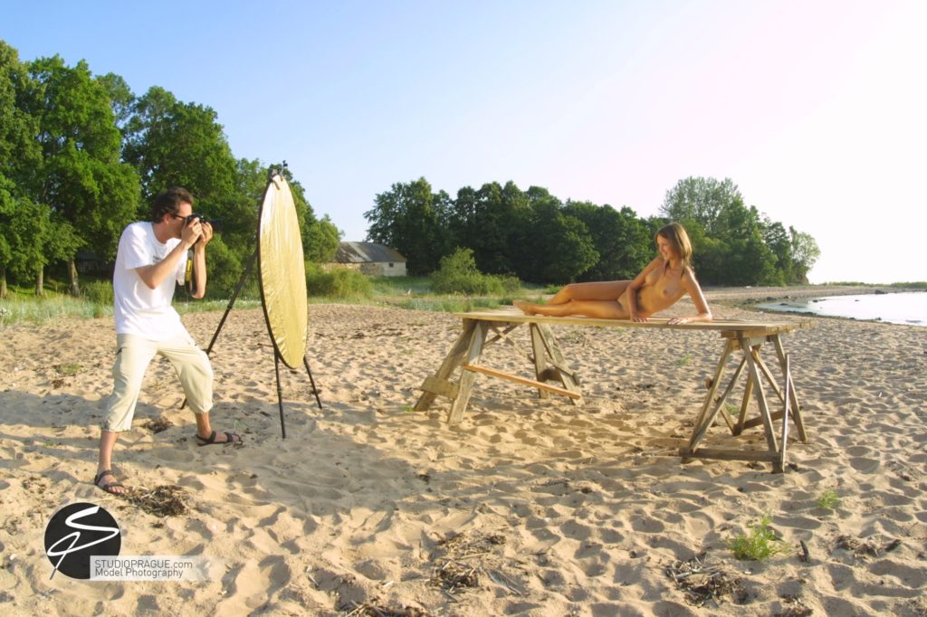 Behind The Scenes Impressions - Glamour Model Productions & Nude Photography Workshops - Outdoor Photography Dan Hostettler - 010