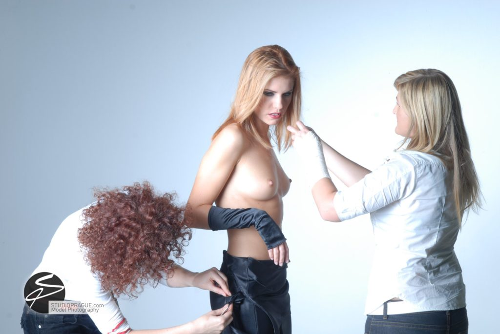 Behind The Scenes Impressions - Glamour Model Productions & Nude Photography Workshops - Photo Model Styling 008